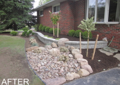 Retaining Wall with Boulder inlay